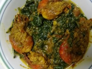 Spinach prawn curry