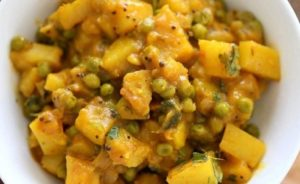 Peas potato curry